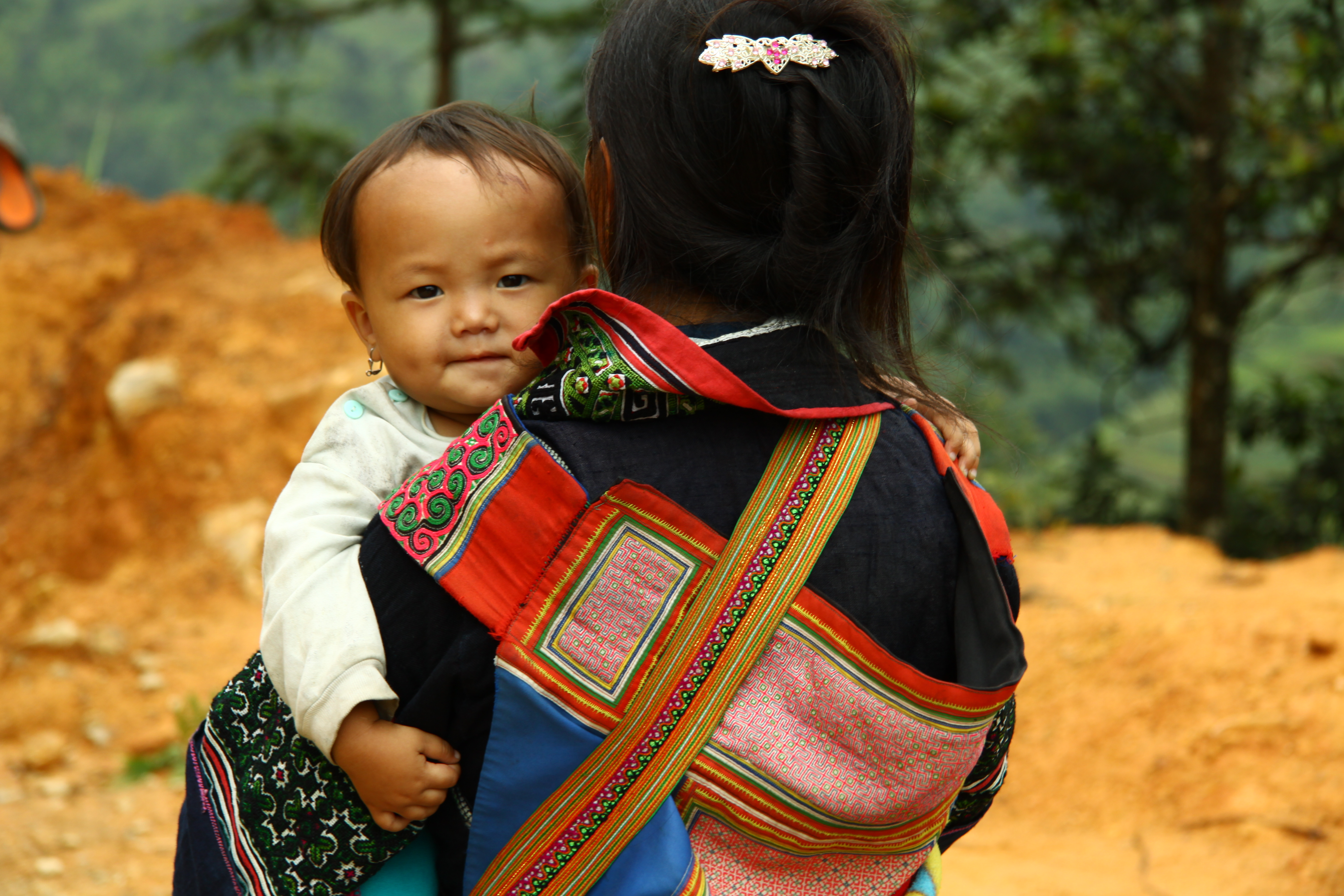 H'Mong woman and baby \ Vietnam